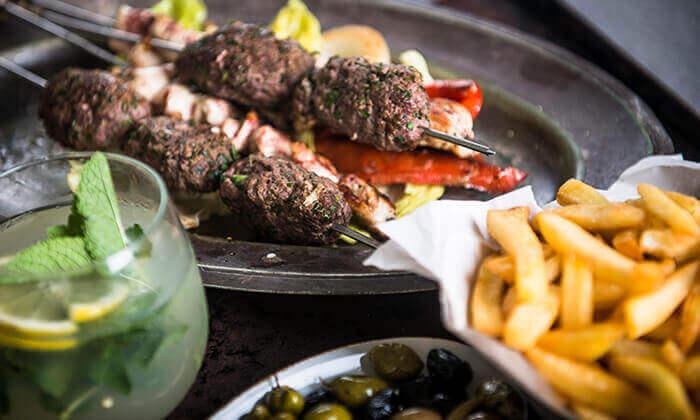 ארוחת בשרים במסעדת מפגש אלדייעה, צומת חורשים