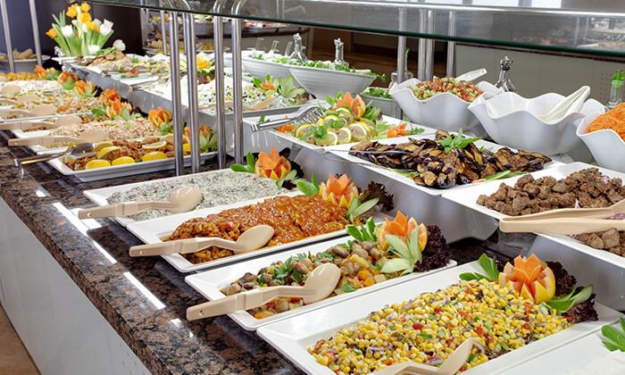 מסעדת חמסה הכשרה במלון קראון פלזה, ירושלים