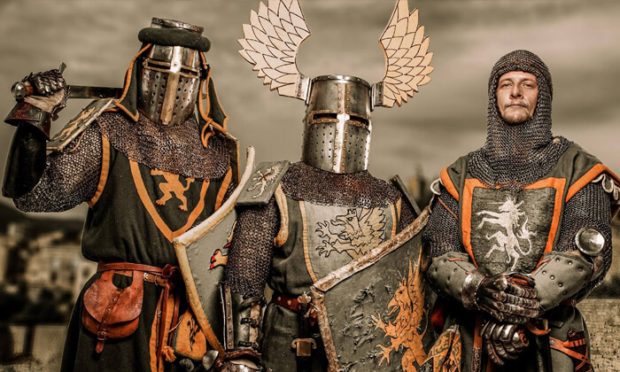 אביר ליום אחד בממלכת האבירים בעכו