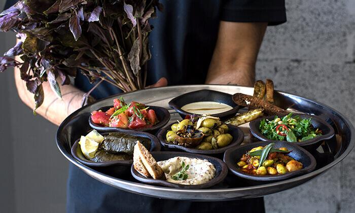 """ארוחה זוגית בבר האוכל החדש ברח' בן יהודה, ת""""א"""