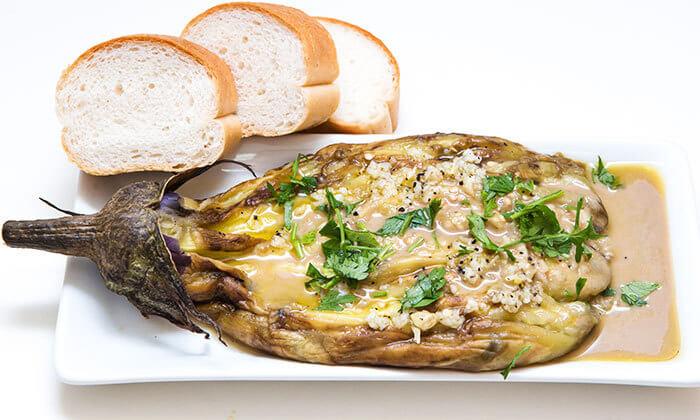 ארוחת בשרים זוגית בסטלה ביץ', חוף בת ים