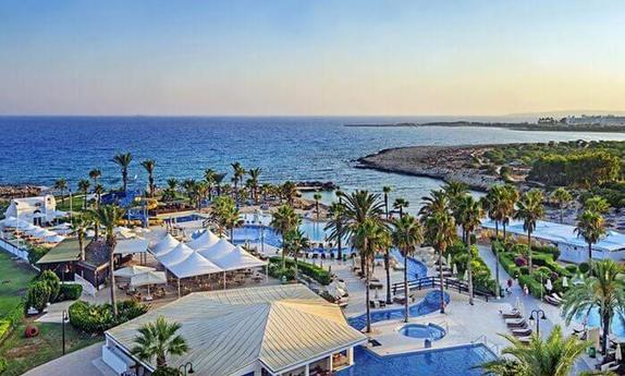 אביב 5 כוכבים בקפריסין + חגים