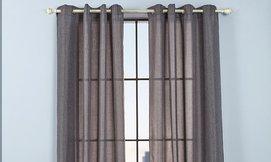 וילונות ארוכים לחלון
