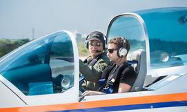 הטסת מטוס עצמאית בליווי מדריך