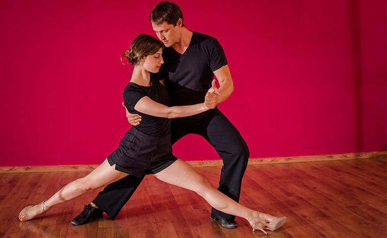 שיעור ריקוד פרטי או קבוצתי