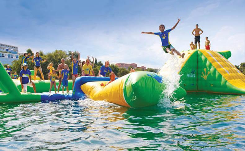 פארק המים הצף אקווה כיף