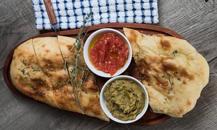 ארוחה זוגית במסעדת ענבה