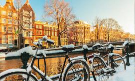חורף באמסטרדם, כולל חנוכה