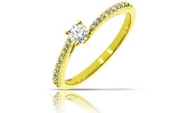 טבעת 14K משובצת יהלומים