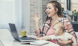 הדרכה אונליין בהורות ולידה