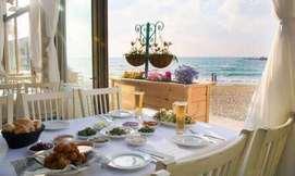 בני הדייג: ארוחה זוגית מול הים